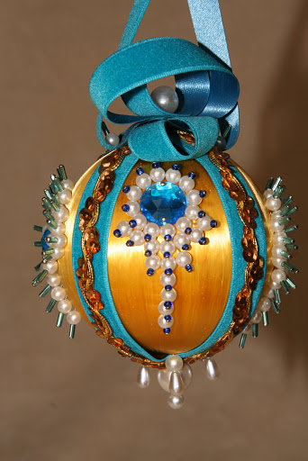 Pretty Christmas Ornaments for decorating christmas tree | Beads Magic