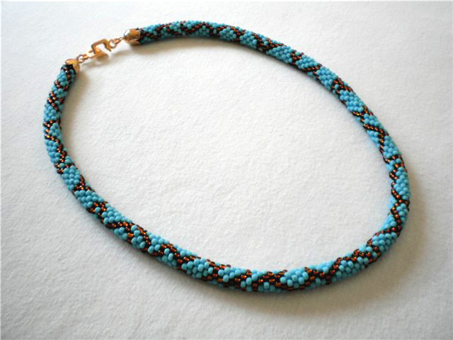Bead Crochet Patterns : Free pattern for beaded crochet rope Blue Snake Beads Magic