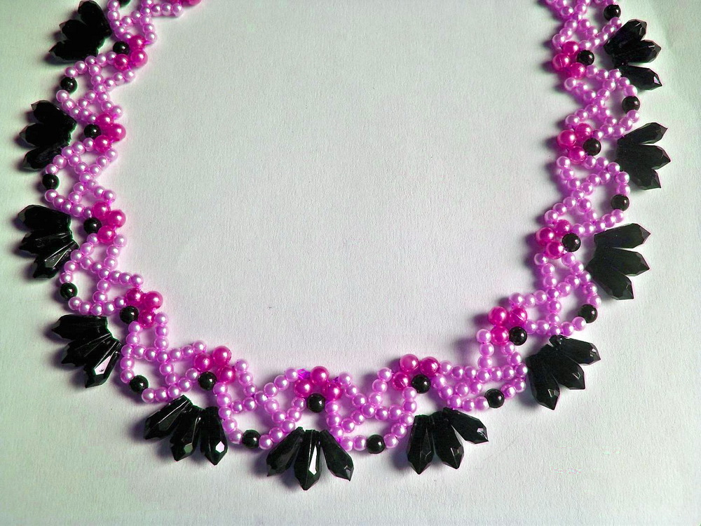 free pattern for beautiful beaded necklace primrose with