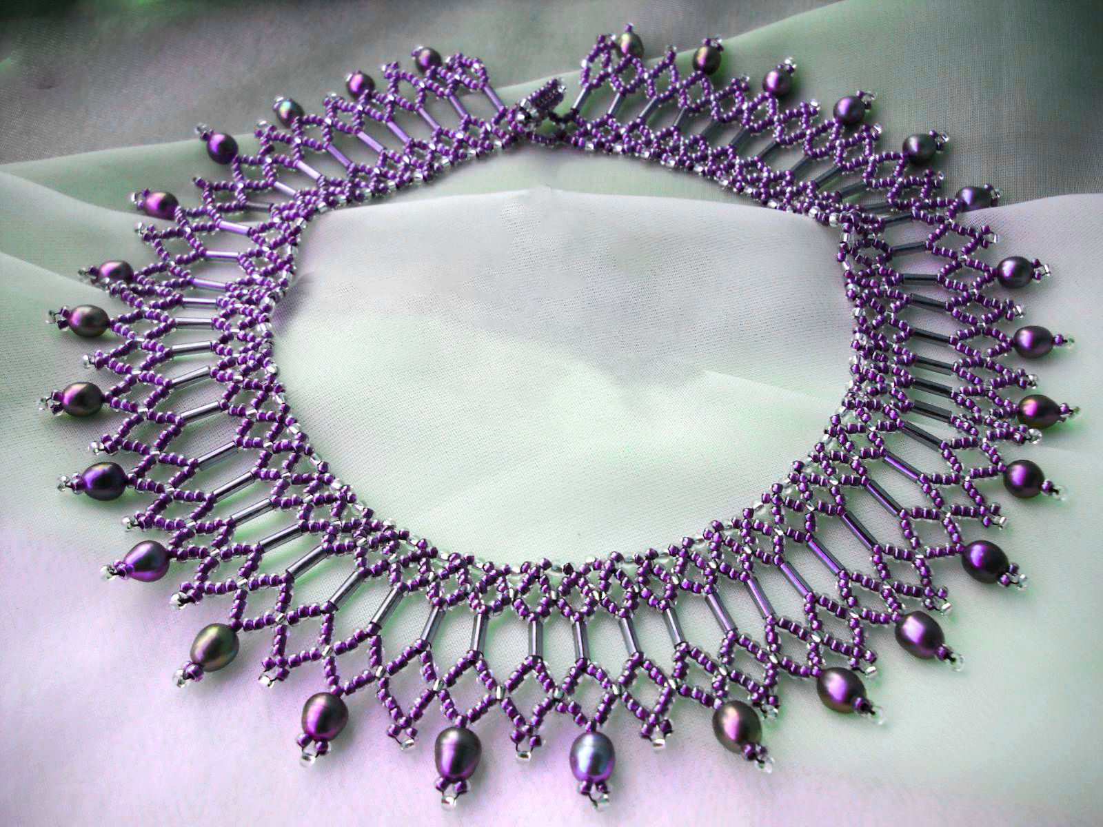 Free pattern for beautiful beaded necklace Diane | Beads Magic