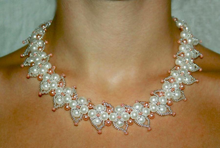 gargantillas on beaded necklaces duo