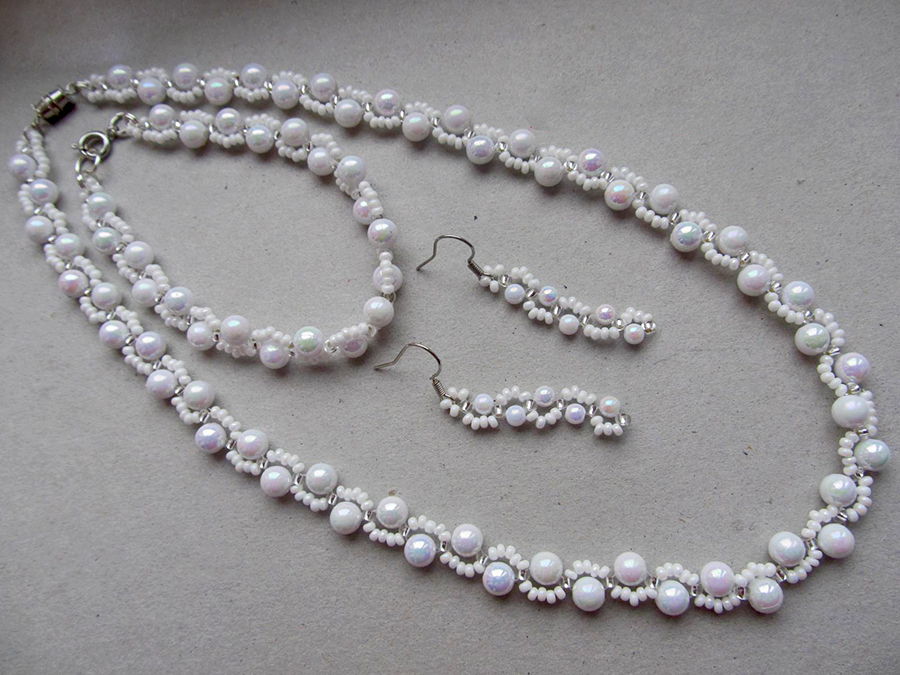 free-beading-tutorial-necklace-1