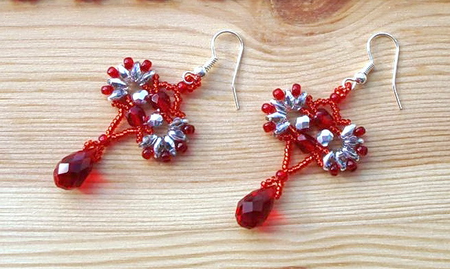 Free pattern for earrings Lola