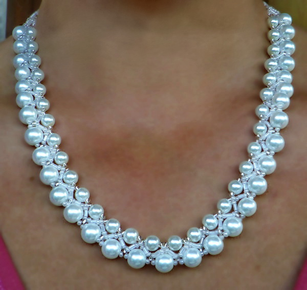 free-beading-necklace-tutorial-pattern-pearls-white-1