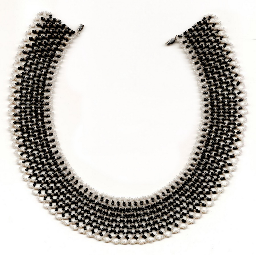 free-beading-necklace-tutorial-pattern-black-white-1