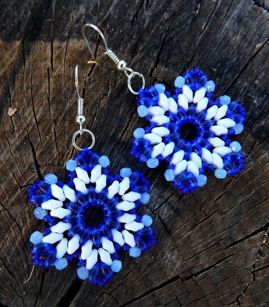 free-pattern-beaded-earrings-tutorial-superduo-1