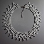 Free pattern for necklace Snow Touch