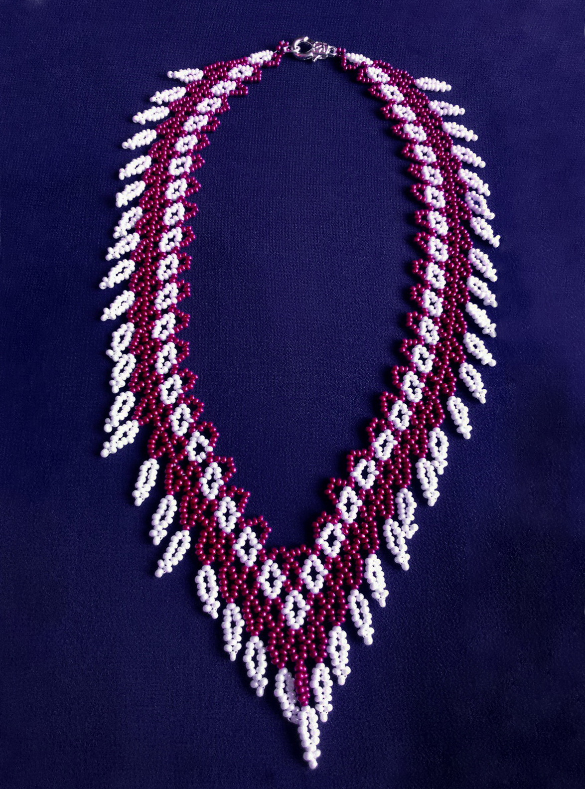 Free pattern for necklace Cherry Berry