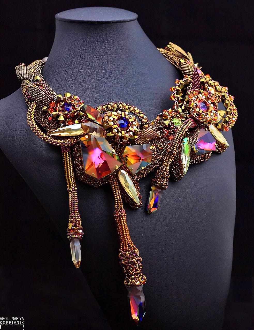 Amazing beaded jewelry by Pikapolina