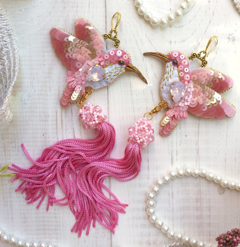 Beautiful embroidered jewelry by Olga Tychkova