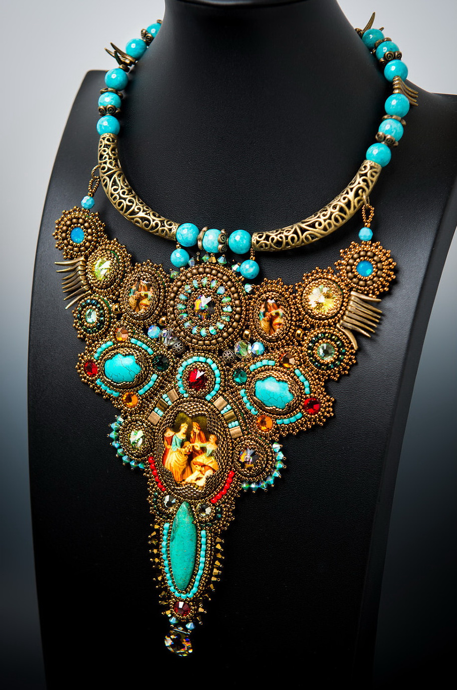 Beautiful bead embroidered jewelry by Guzialia Reed