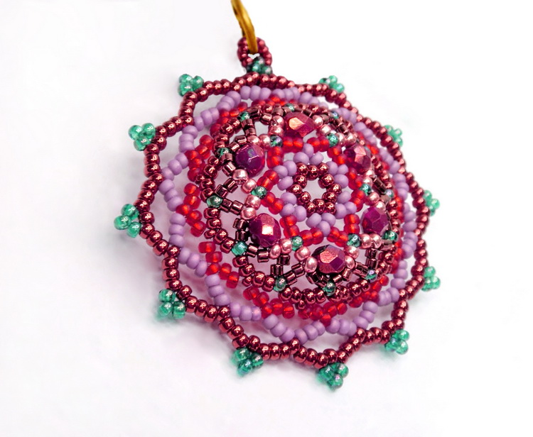 Free pattern for beautiful beaded pendant fair beads magic free beading pendant pattern tutorial 1 aloadofball Image collections