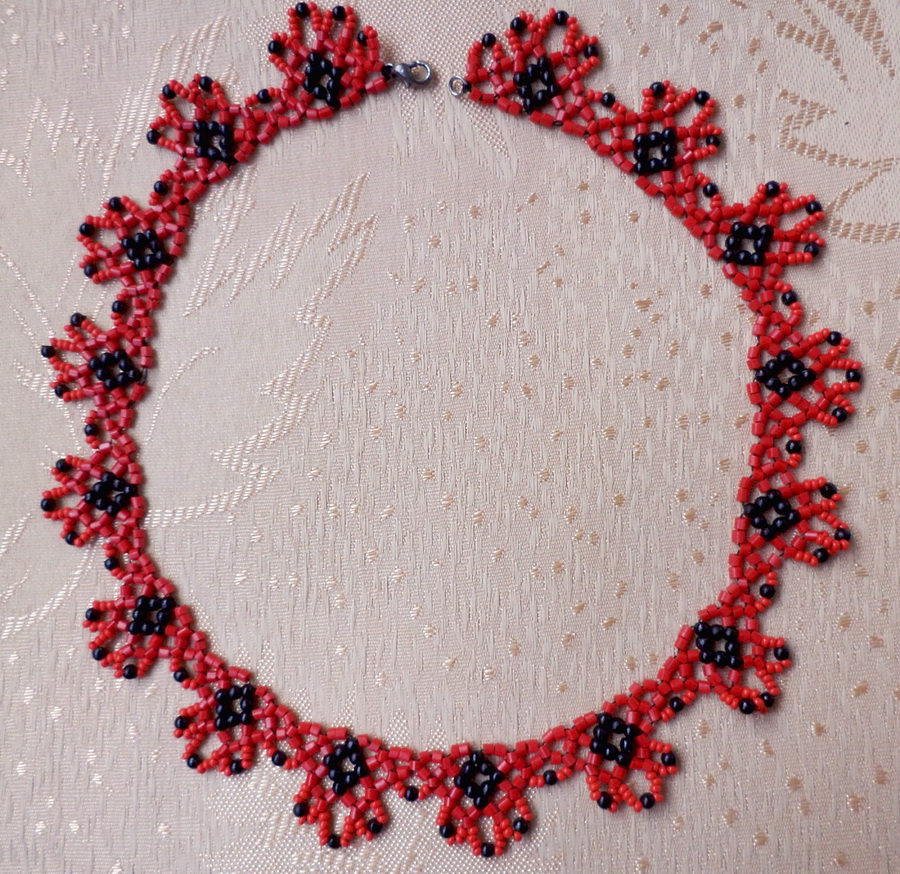 free-beaded-necklace-tutorial-1
