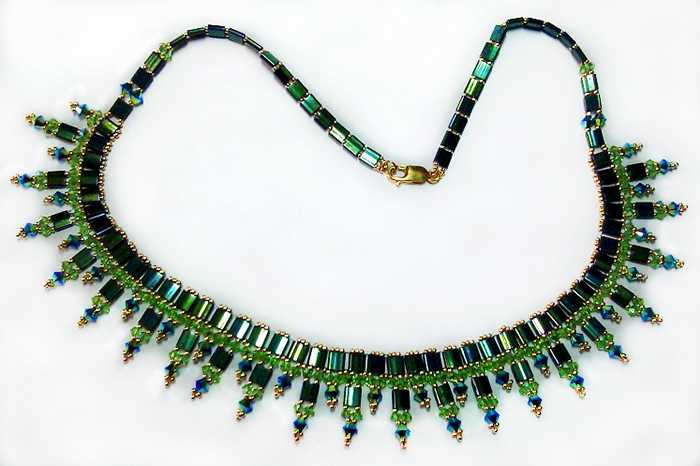 free-beading-tutorial-necklace-with-tila-1