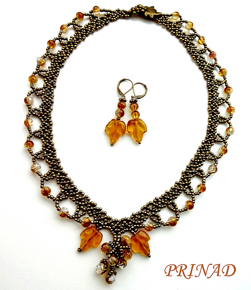 Free pattern for necklace Grapevine