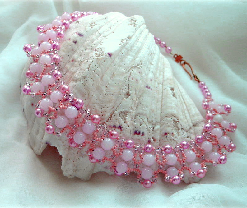 Free pattern for necklace Pink Tenderness