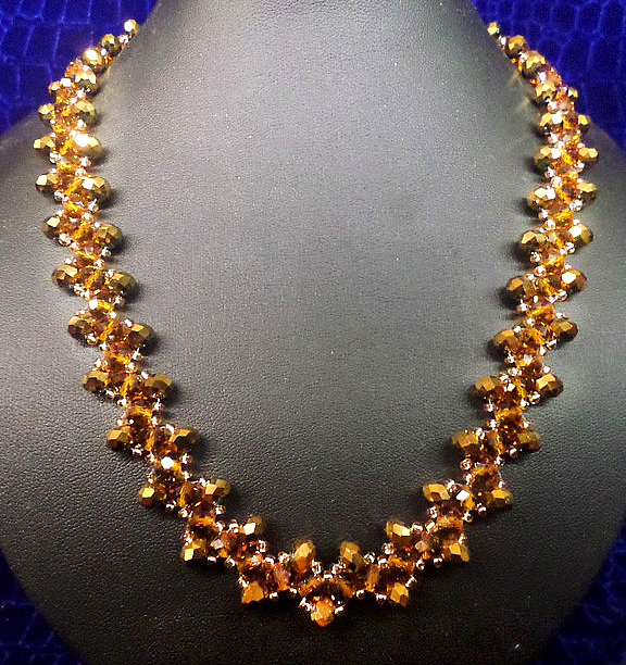 Free pattern for necklace Golden Eye