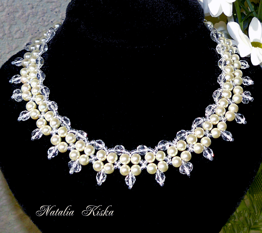 Free pattern for necklace Crystals and Pearls