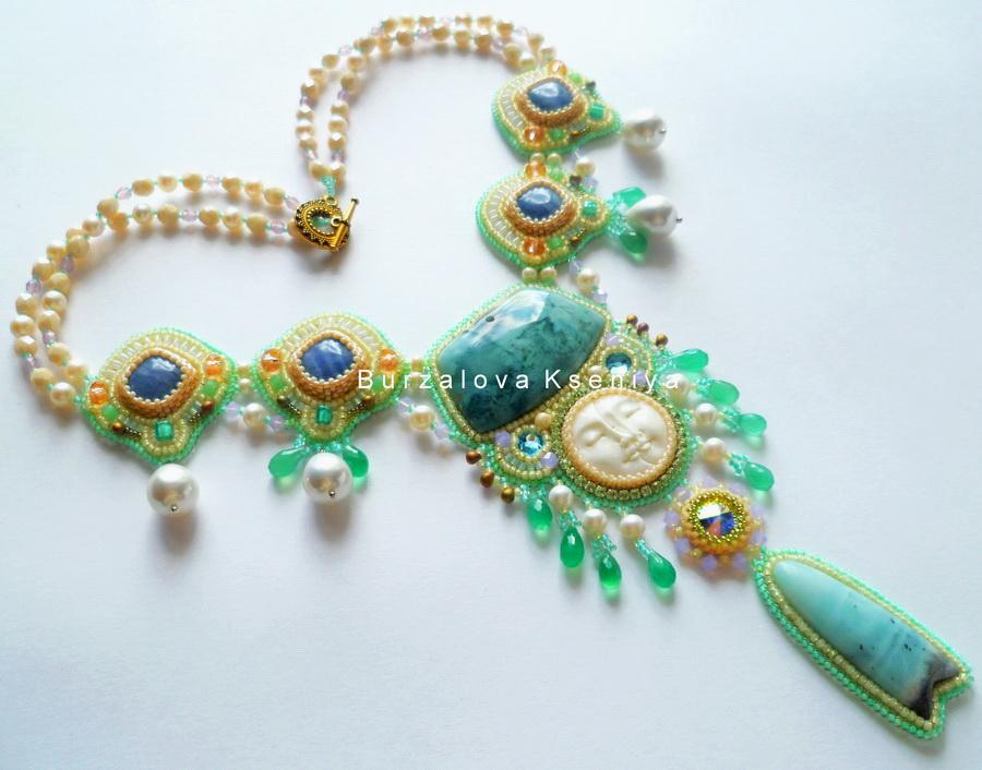 burzalova-necklace-face-1
