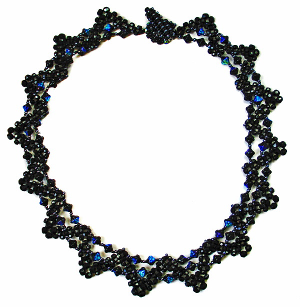 Free pattern for necklace Ebony