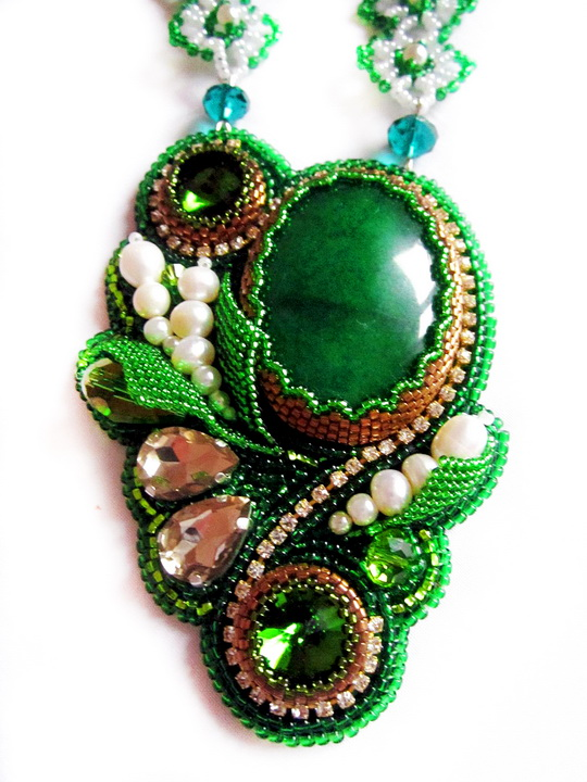 green-necklace-3