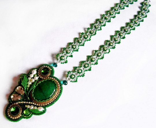 green-necklace-4