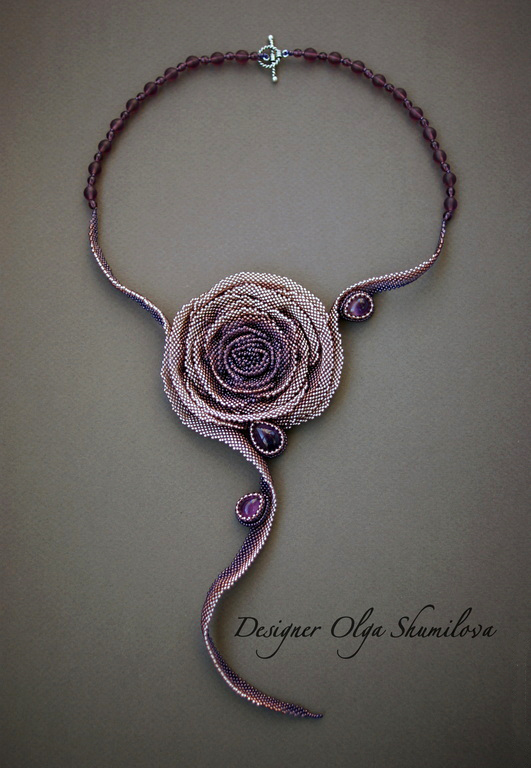 Design of the day – necklace Rose by Olga Shumilova