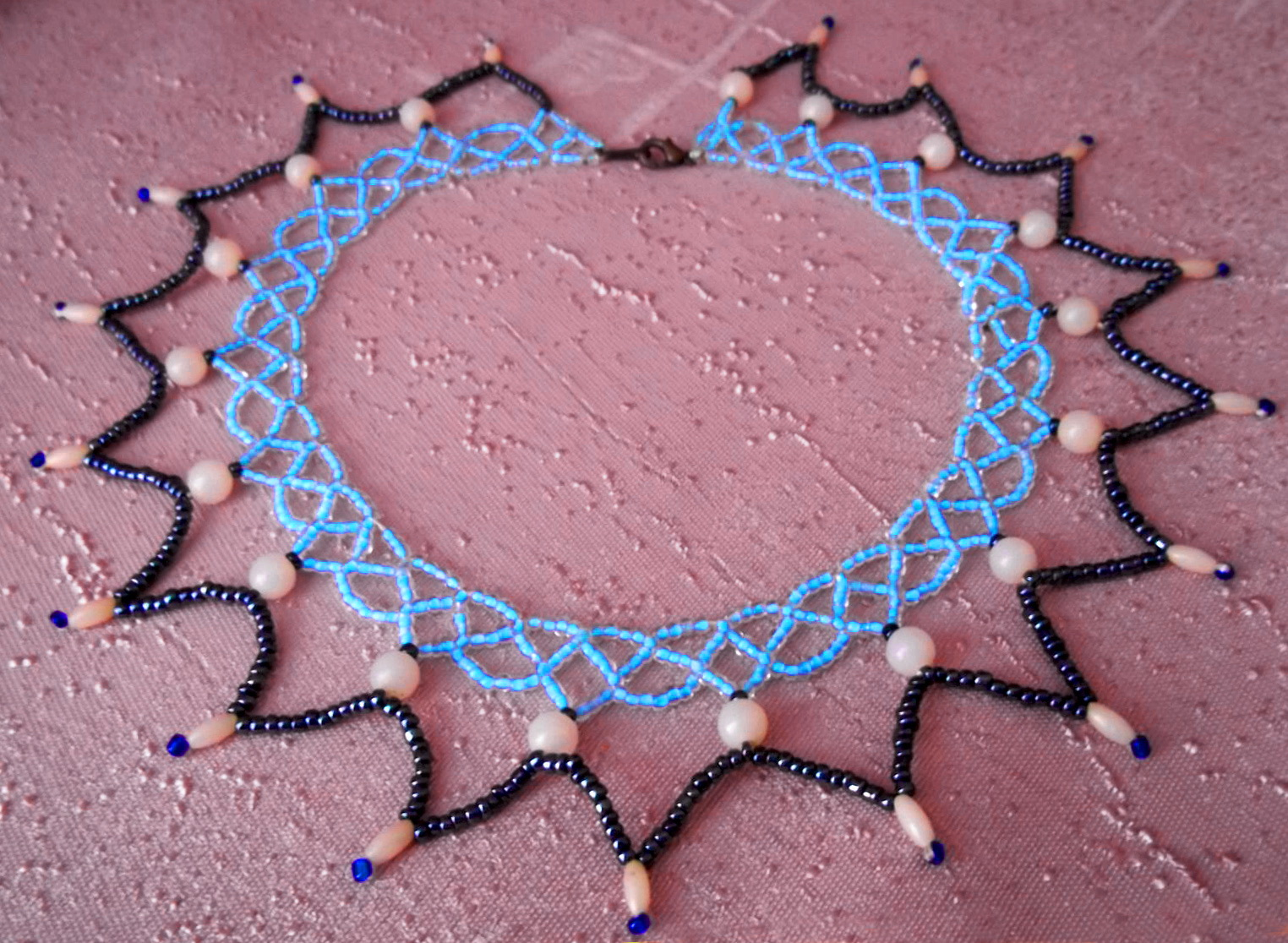 Free pattern for necklace Jenny