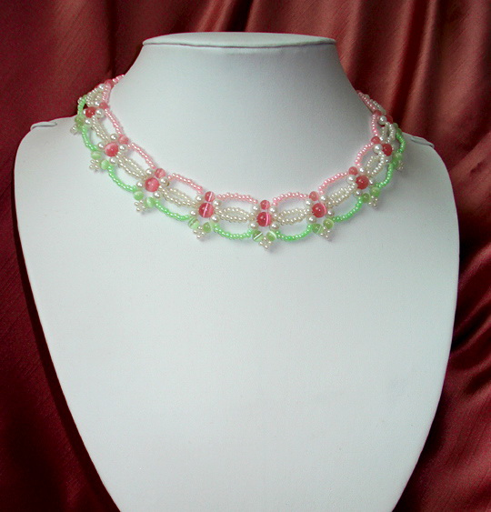 Free pattern for necklace Spring Day
