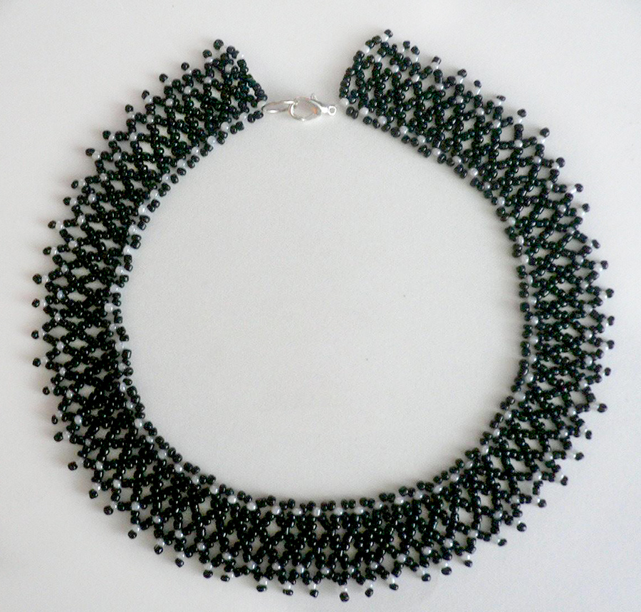 Free pattern for necklace Isabella