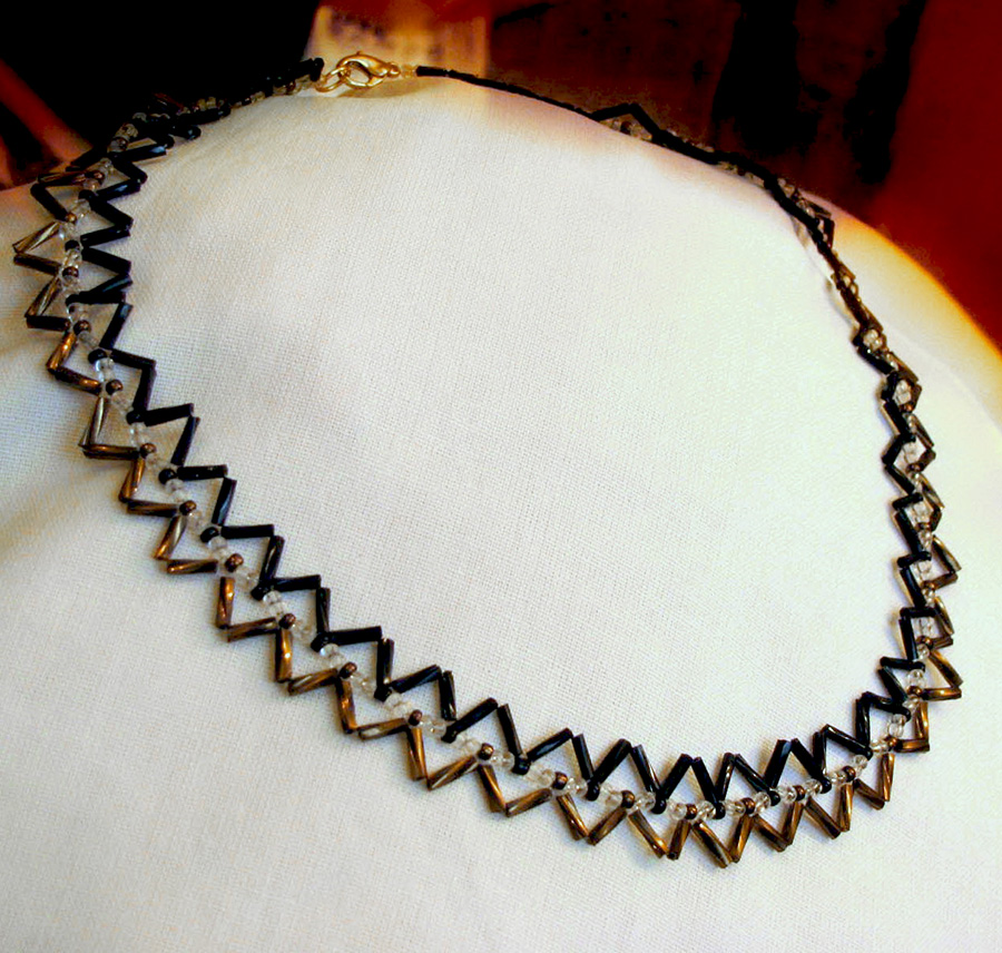 Free pattern for necklace Janny