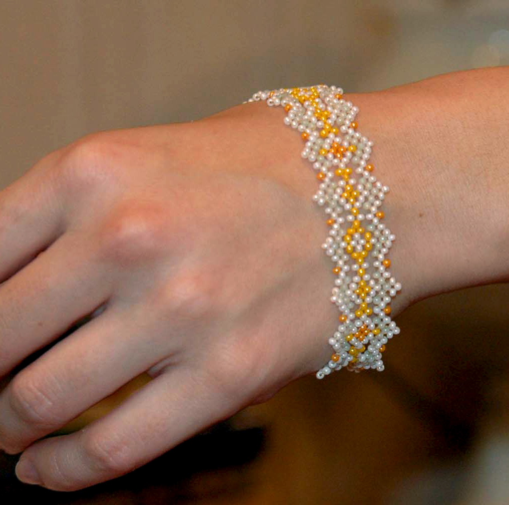 free-pattern-bracelet-tutorial-instructions-1
