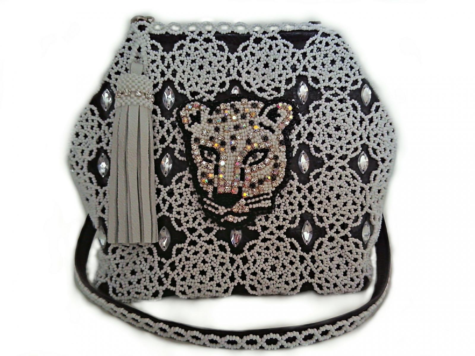 16-bag-beaded-clutch-bedsmagic