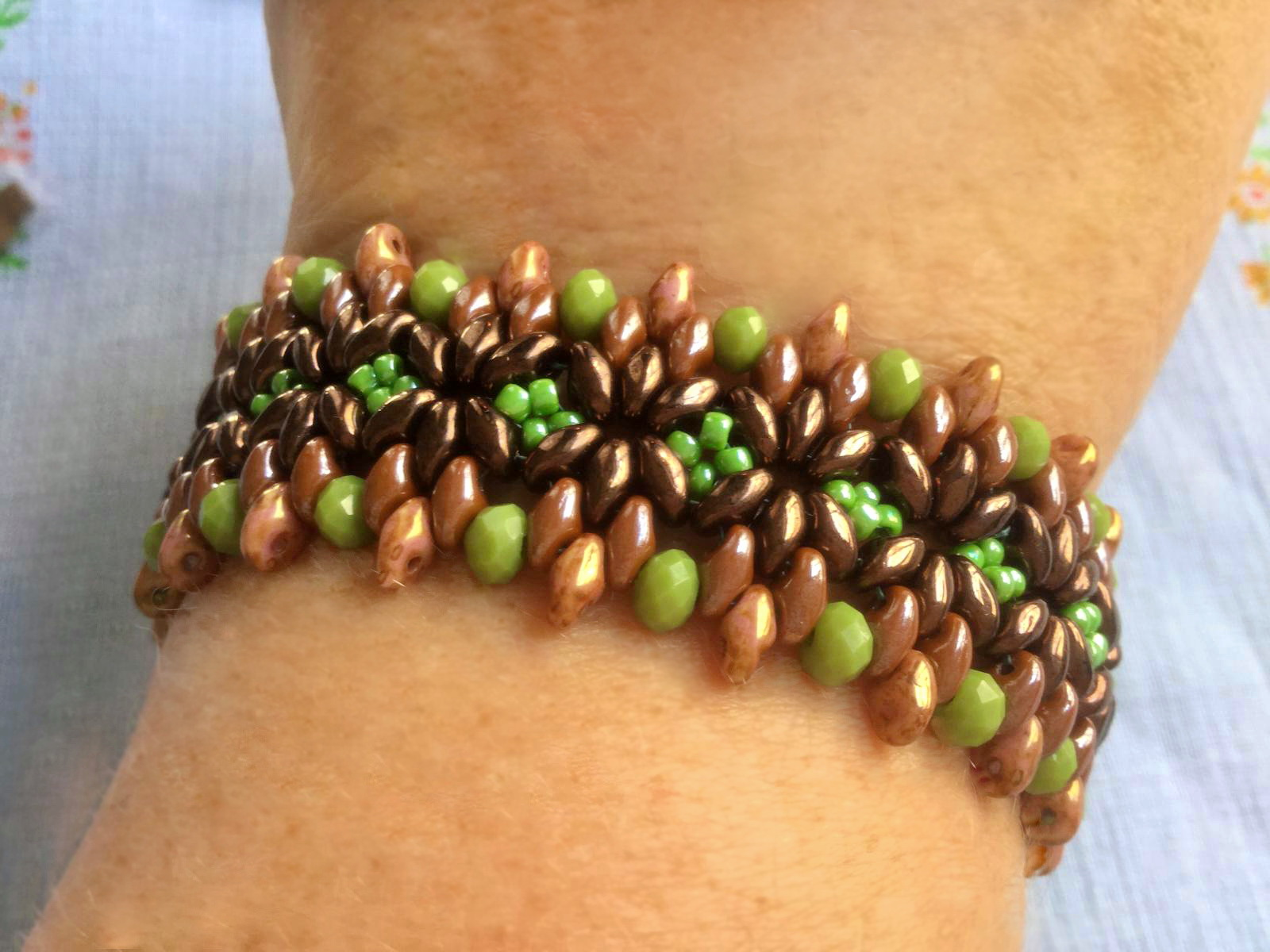 Free pattern for bracelet Maple