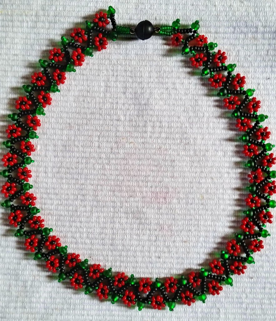 free-beading-pattern--necklace-tutorial-instructions-1-1