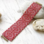 Free pattern for Christmas bracelet from Anabel
