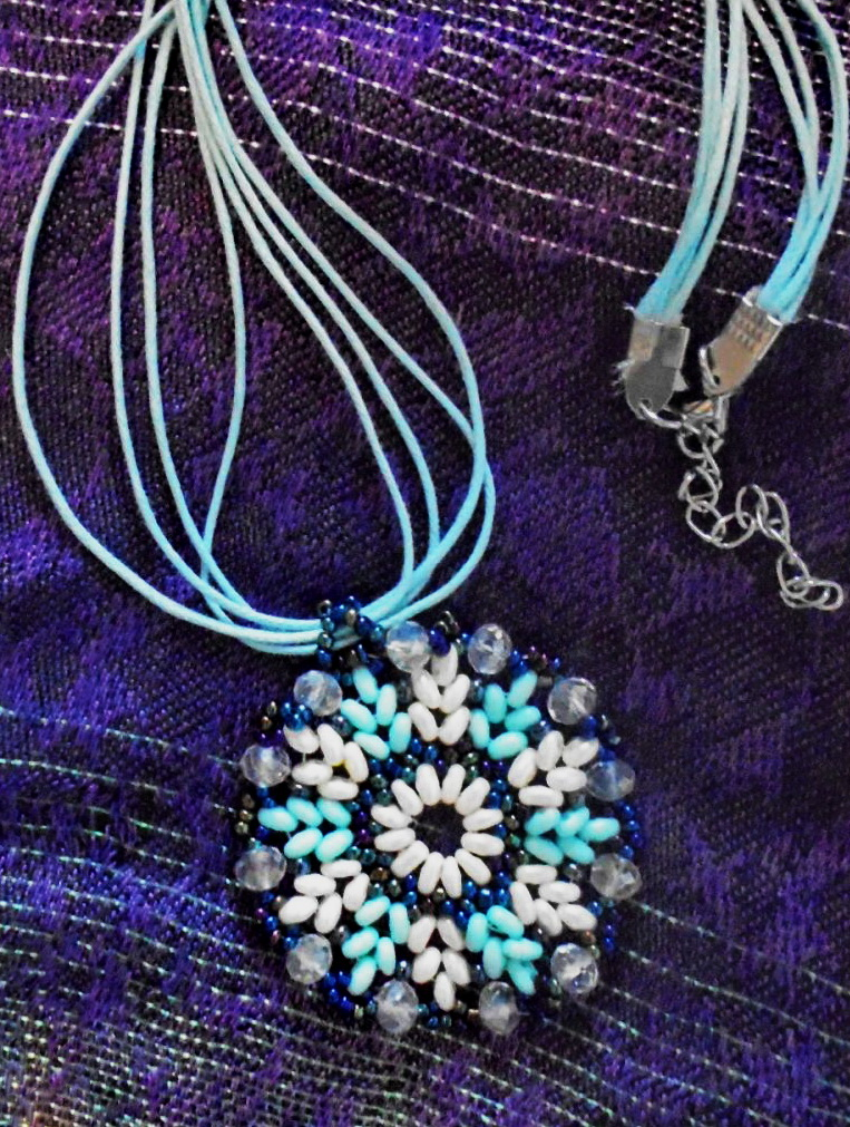 Free pattern for pendant Blue Snowflake
