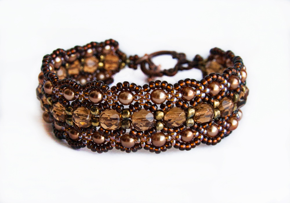 Free pattern for bracelet Dark Honey