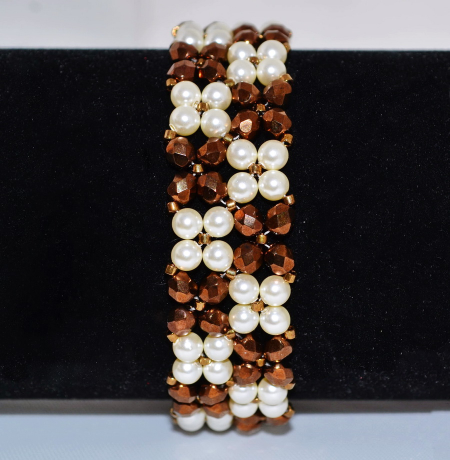 Free pattern for bracelet Classic