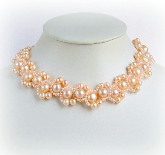 Free pattern for necklace Peach Delight